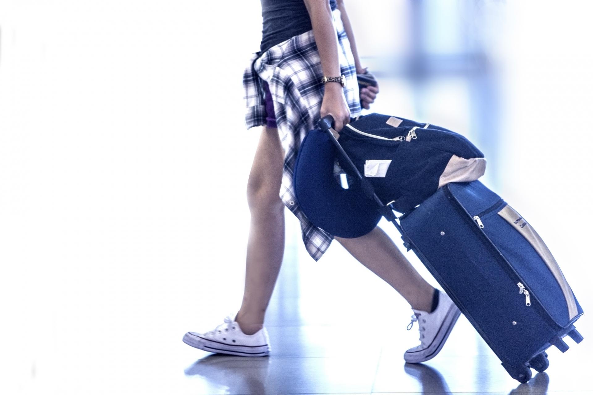 子どもをいつから海外旅行に?